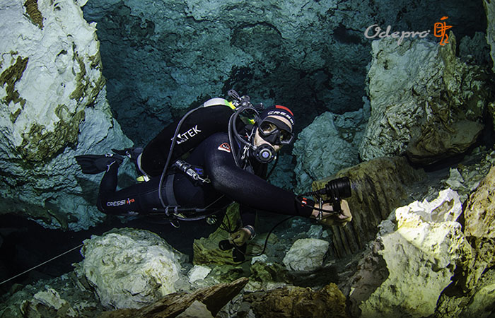 caving diving